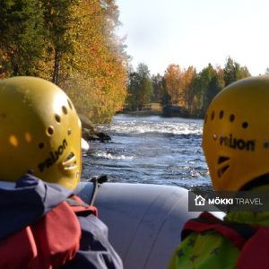 Twee mense in raft in Lapland