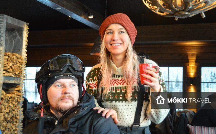 man en vrouw in café Ruka